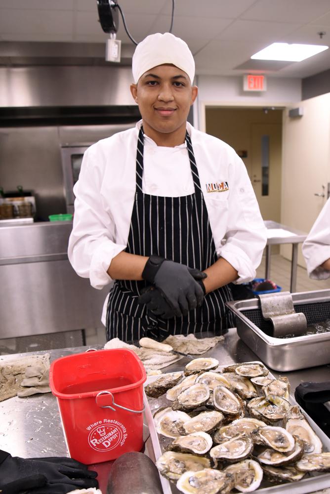 oyster-shucking-ca-mc-rwasden-9-30-16-ccc_8524
